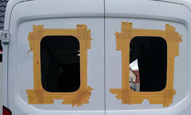 Kastenwagen Camper Fenster ausschneiden