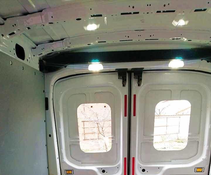 Ford Transit Kastenwagen Decke verkleiden