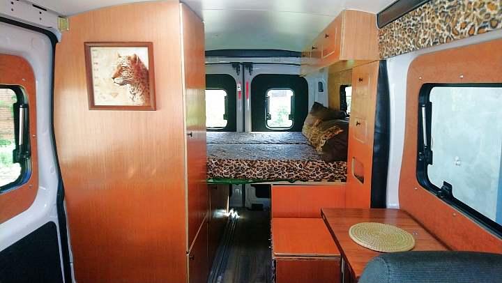 Ford Transit Kastenwagen Ausbau Bett