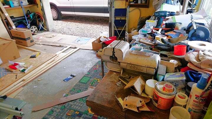 Ford Transit Camperausbau Werkzeug